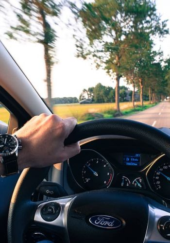 driving-car-navigation-speed (1)