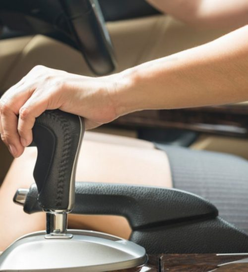 gearstick-changing-gears-cars-woman